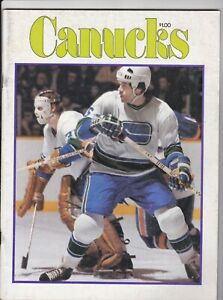 11/1/76 NEW YORK ISLANDERS@VANCOUVER CANUCKS GAME PROGRAM UNSCORED