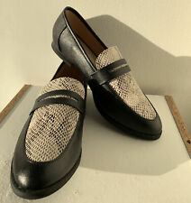 Womens Size 7.5 Shoes Restricted Brand Snake Skin Detail Worn Once Loafers