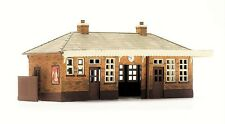 C014 DAPOL KITMASTER BOOKING HALL, UNPAINTED PLASTIC KIT, 00 MODEL RAIL