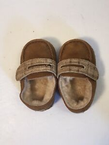 UGG Australia Infant Collection Baby Boys Loafer Chestnut Shoe Small