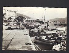 AJACCIO (Corse) RANGEMENT des FILETS au RETOUR DE PECHE en 1971
