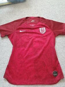 England Ladies Lionesses Football Shirt 19/20 Size M