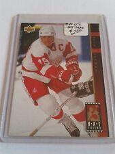 1993-94 Upper Deck Hat Tricks #HT6 Steve Yzerman : Detroit Red Wings