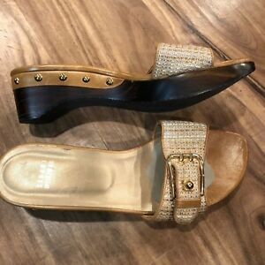 STUART WEITZMAN Buckle Gold Leather Wood Sandals Heels Size 8 M