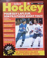 1982 NHL Le Livre du Hockey No 1 / Magazine with Wayne Gretzky Poster