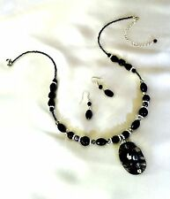 Boutique NECKLACE & Earring Set Swirled Art Glass Pendant Black Glass Beads  r3l