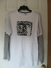 NWT Boy's DC SHOES WHITE & GREY LONG SLEEVE GRAPHIC T-SHIRT, Size X-Large 18/20