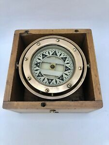 Dirigo nautical boat Brass compass in wooden box magnetic 3 inches