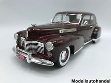 Cadillac Fleetwood Series 60 Special Sedan 1941 rot 1:18 MCG   >SALE OUT PRICE<