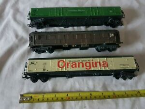 HO/OO GAUGE OF 3 LIMA WAGONS AND COACH HAVE MISSING PARTS (D33)