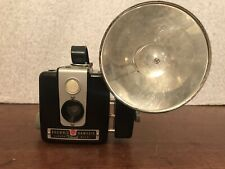 VINTAGE KODAK BROWNIE HAWKEYE 620 FILM FLASH CAMERA Tested! Bulbs & Leather Case