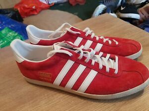 Adidas Gazelle originals uk 11 eu 46 suede red Jeans retro looking mens trainers