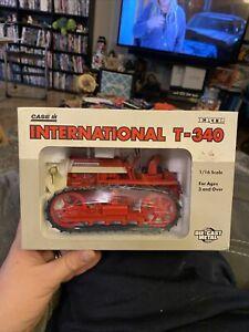 Ertl Case IH International T-340 1:16 Scale Die Cast Crawler New Red 1996