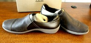 WOMENS CLARKS LEATHER SLIP ON SHOES CORA POPPY TAUPE/BRONZE SIZE 10