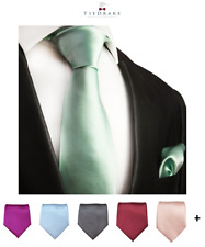 Solid Men's Tie and Pocket Square Set