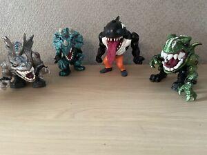 Lot De 4 figurines Street Sharks + Extreme Dinosaurs Mattel