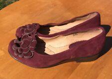 Earth Women's Brush Cherry Burgundy Leather Wedge Size 6.5B US