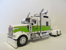 DCP 1/64 SCALE W-900 KENWORTH STUDIO SLEEPER WHITE / LIME GREEN SEMINOLE STRIPE