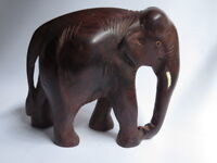 Hand Crafted wooden carved Elephant Statue Sculpture in Rosewood for Decoration