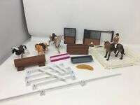 New Ray Horse Jump course Play Set.... Lot of Horses Fence and Accessories