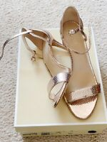 731e0bccf8f8 Michael Kors Womens Simone Mid Sandal Soft Pink Leather 7.5 38 Evening  Metallic