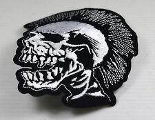Patch tête de mort punk  ,bikers,rock,custom,décoration ,punk,gothique,métal