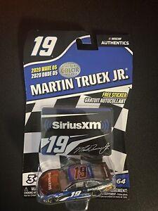 Martin Truex LIQUID COLOR CHASE #19 SiriusXM 1/64 NASCAR Authentics WAVE 5 2020