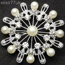 NEW SILVER CRYSTAL PEARL FLOWER TOP QUALITY BROOCH WEDDING PARTY GIFT UK BROACH