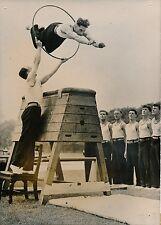 Gymnastes 1952 - Entrainement Militaires Cheval de Bois - Photo de Presse