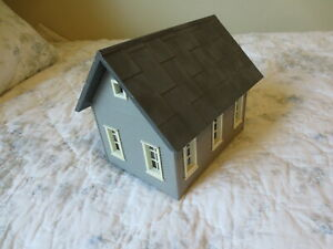 Piko G Scale Cottage Grey wth dark roof
