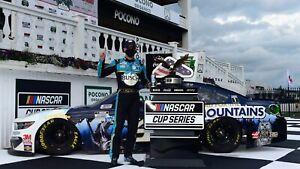 NASCAR SUPERSTAR KEVIN HARVICK WINS AT POCONO  8X10 PHOTO W/BORDERS