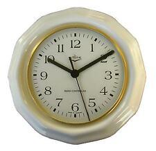 022003F Keramik Küchenuhr vieleckig weiß glänzend Goldlünette Funkuhr