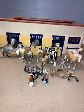 Schleich stable and horse bundle