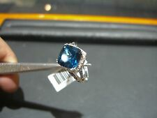 FINE WOMENS WHITE GOLD DIAMOND AND BLUE TOPAZ RING NEW SIZE 8.0 WOW