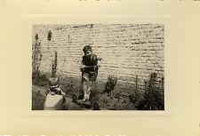PHOTO ANCIENNE - VINTAGE SNAPSHOT - ENFANT VOITURE À PÉDALES TROTTINETTE - CHILD