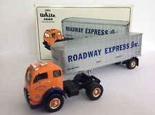 First Gear Roadway Express 1953 White 3000 Tractor w/ 30' Trailer 1/34 Diecast