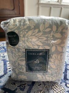 Laura Ashley Fora Shams Green Cream 3 Piece Reversible King Quilt Set NWT