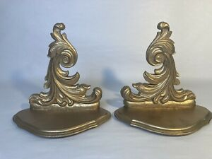 VINTAGE PRE-OWNED ORNATE  ROCOCO  STYLE GOLD WOOD DISPLY WALL SHELF SCONCE
