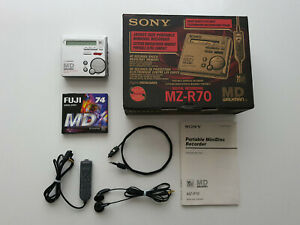 VINTAGE SONY WALKMAN MINIDISC MD PLAYER / RECORDER MZ-R70 FULL METAL BODY