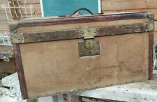 Malle Ancienne cuir et laiton/rangement ancien/old leather and brass trunk