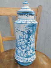 Ancien pot couvert d'apothicaire pharmacie albarello céramique theme de Chasse