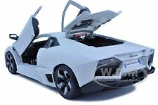 LAMBORGHINI REVENTON MATT WHITE 1:18 DIECAST MODEL CAR BY BBURAGO 11029