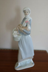 "Lladro figurine 4591 girl with chicken rooster cockerel Pristine. 9.5"" tall"