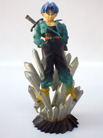 Figurine statuette Dragon ball z  mirai trunks / 8 cm sur socle N° 5