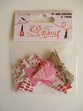 Dovecraft KISS & Trucco Mini Bandierine Con Spago-Labbra Rosso Rosa