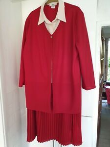 Laure Red and Cream Two Piece Skirt Suit - Size 18