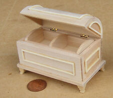 1:12 Scale Natural Finish Wooden Chest Trunk Dolls House Miniature Accessory 078