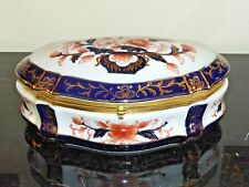 VINTAGE IMARI AND COBALT BLUE LARGE PORCELAIN OVAL ORMOLU DRESSER BOX