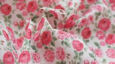 PRINTED POLYCOTTON FABRIC - DELICATE ROSE DESIGN