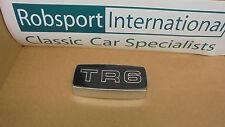 Triumph TR6 ** Chrome Grille Badge Holder + TR6 FOIL BADGE ** NOUVEAU